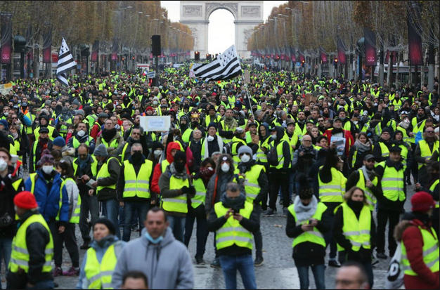 YellowVestsAtArc.PNG